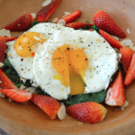 Sunny Eggs with Spinach and Strawberries