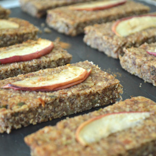 Apple & Cinnamon Breakfast Bars