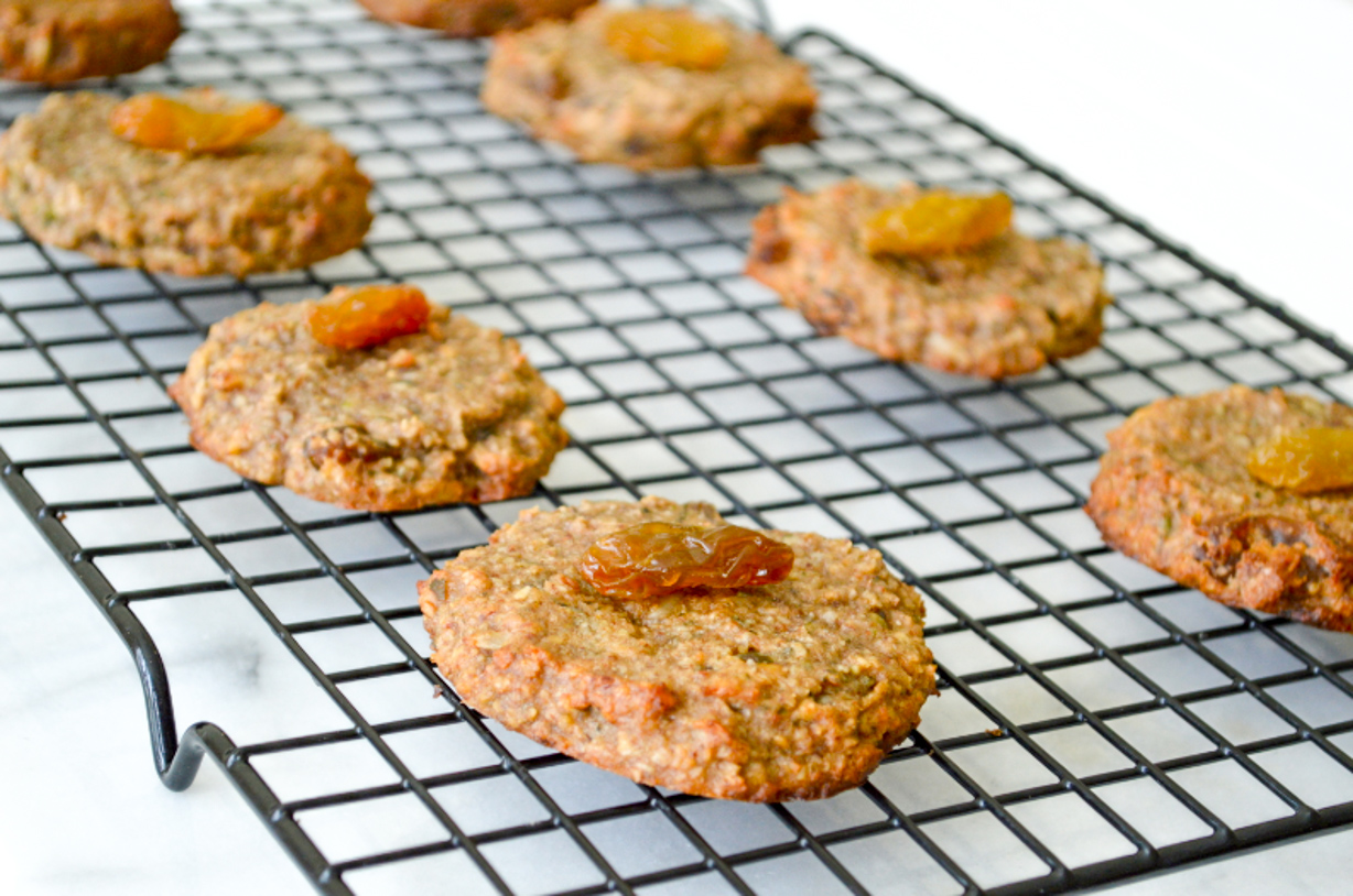 Nutty Oatmeal and Raison Cookies