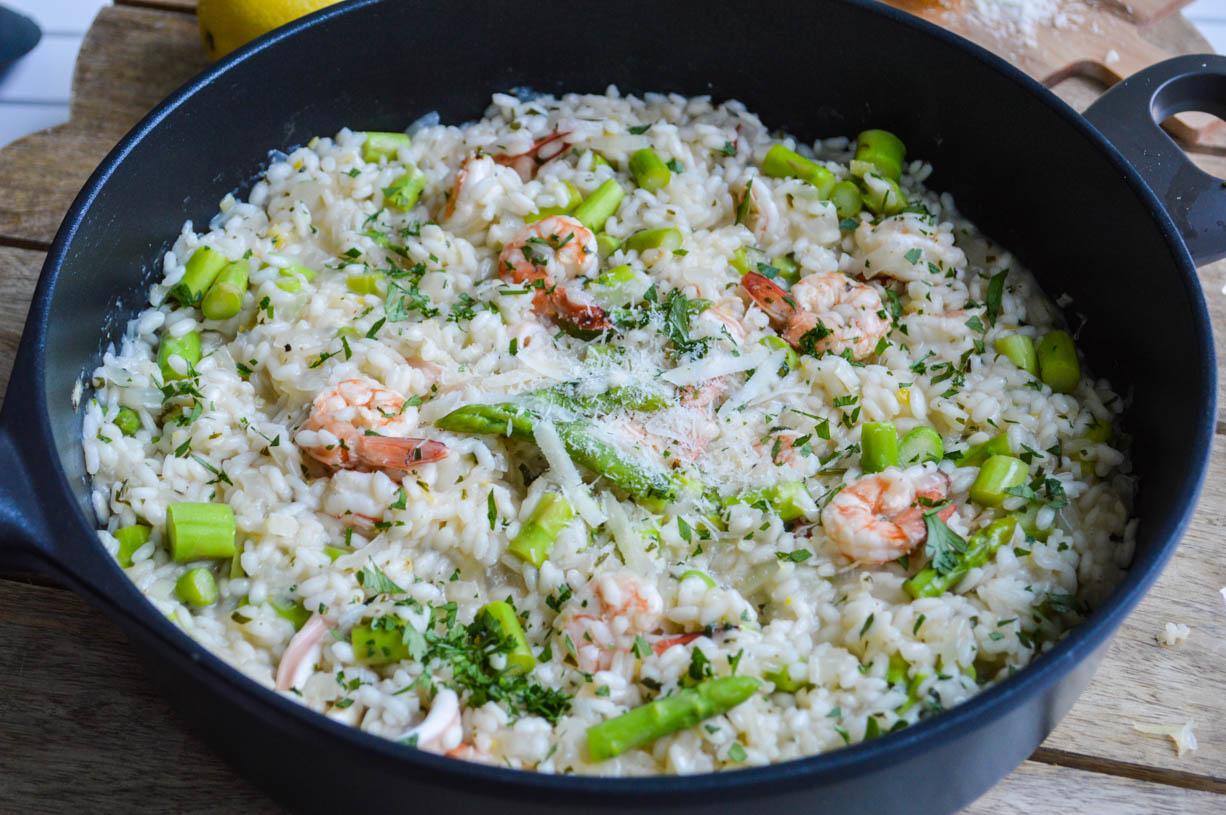 Lemony prawn and asparagus risotto